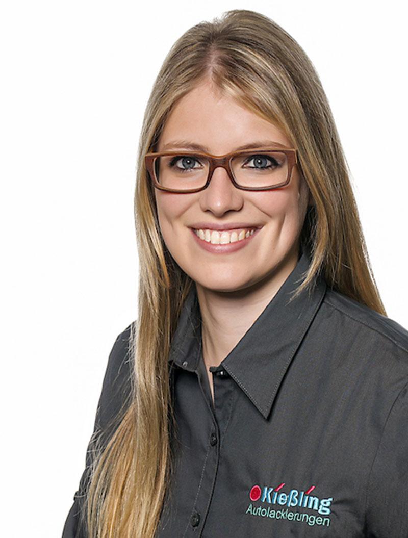 Lackierzentrum Kießling Mitarbeiter Angela Blank