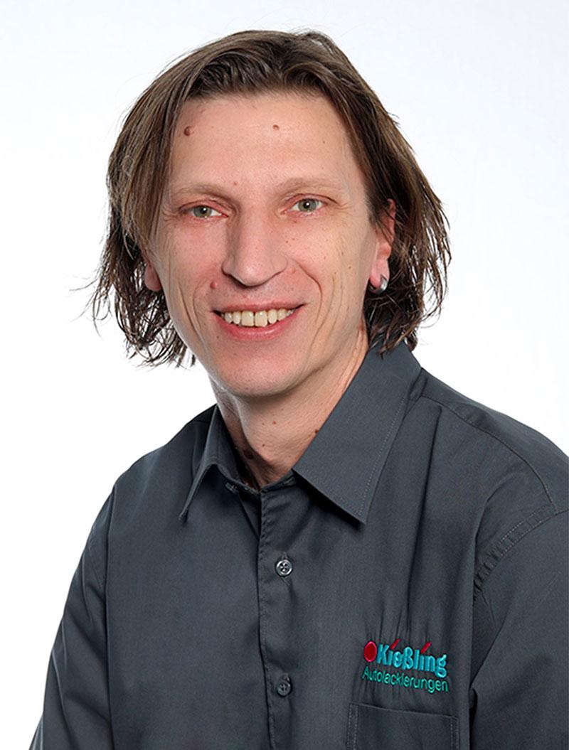 Lackierzentrum Kießling Mitarbeiter Walter Eckl